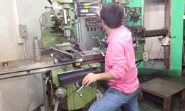 烧录通生产设备-铣床加工